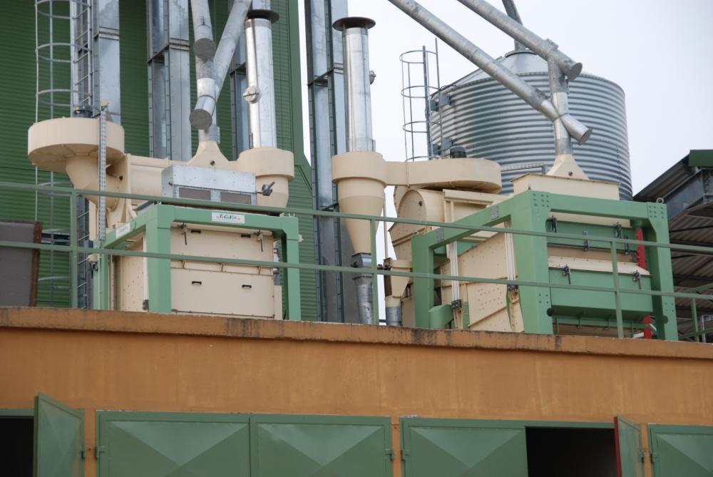 Korszerű gabonatisztító üzem. (A kép illusztráció). A kép forrása: tegavill.hu
